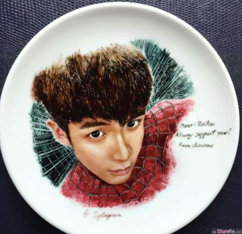 他把巧克力涂在白色的盘中 下一秒出现的图案细腻的让人惊艷