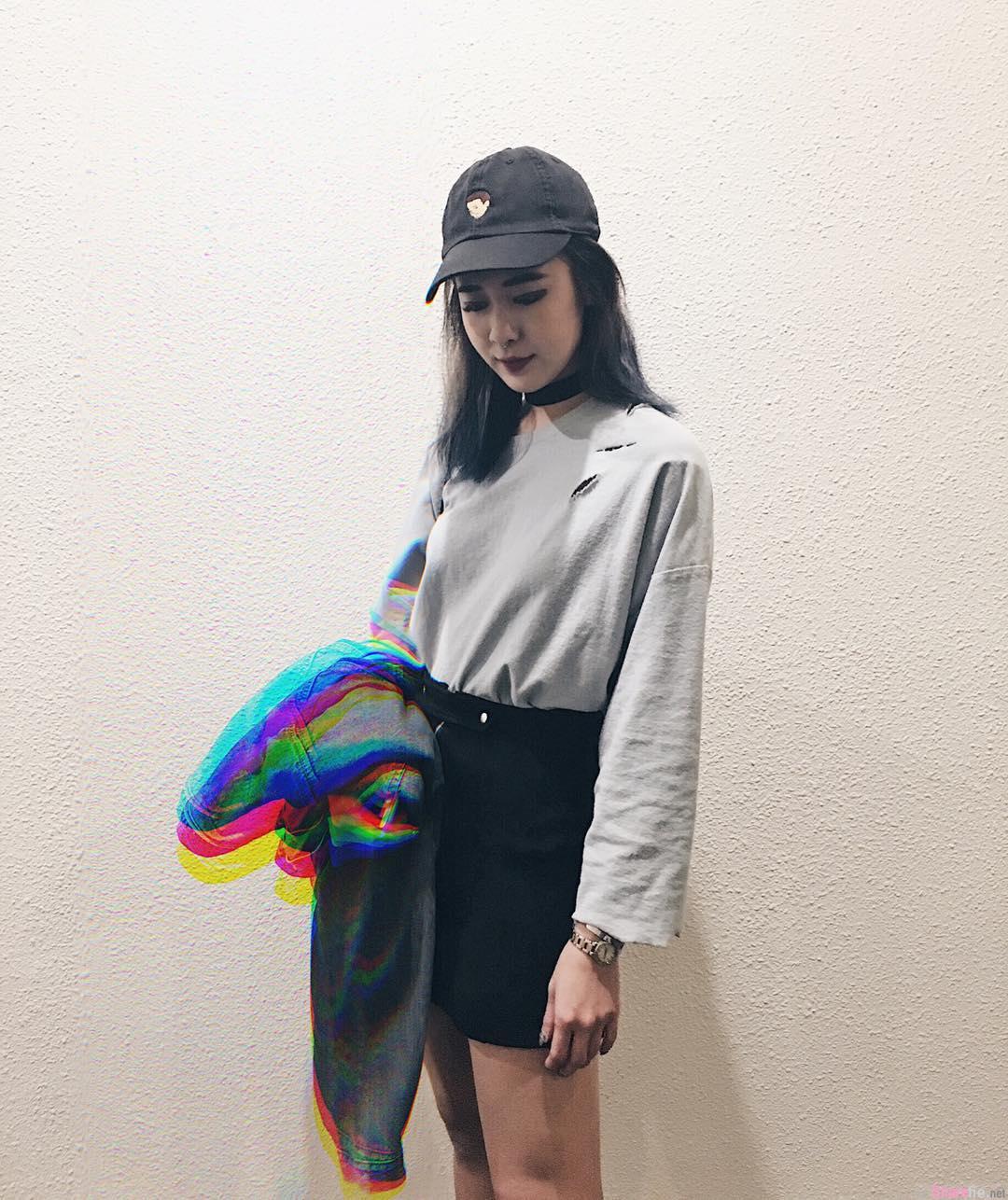 新国正妹Cherie Chan,长腿配长靴94美