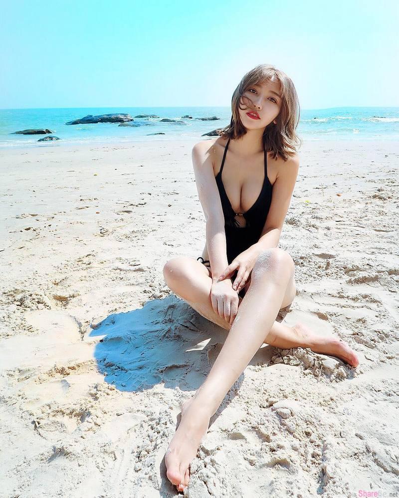 网拍正妹许庆伶泰国旅游性感比基尼大放送 网友:你学坏了