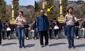女生街上大跳Shuffle Dance 还以为旁边老爷爷是来观舞凑热闹,没想到节奏一来,爷爷好神