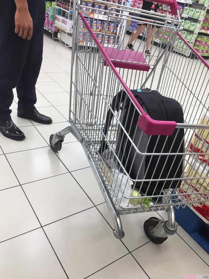 大马商场整架手推车翻落! 小孩舌头受伤下巴瘀青 原因竟是少了一个轮