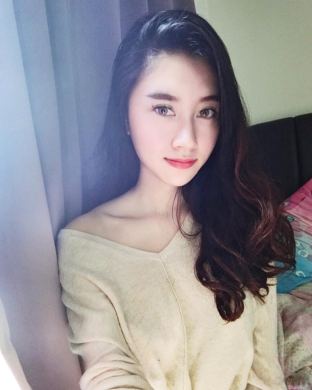 大马槟城正妹Evelyn Lim 白皙肌肤修长美腿