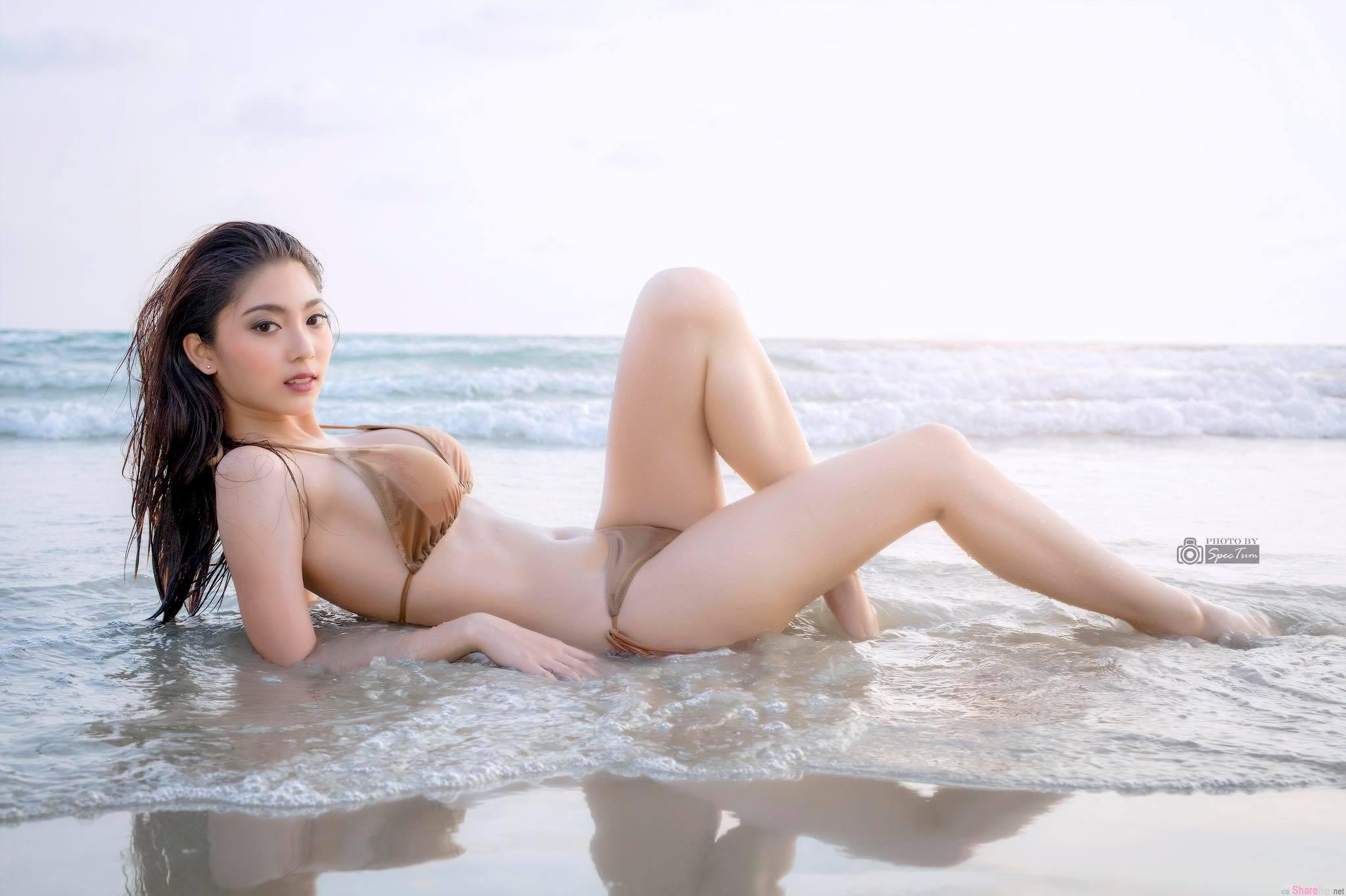 泰国正妹Kamonwan Sangchom最强消暑沙滩美照,看完整个彻底冰凉