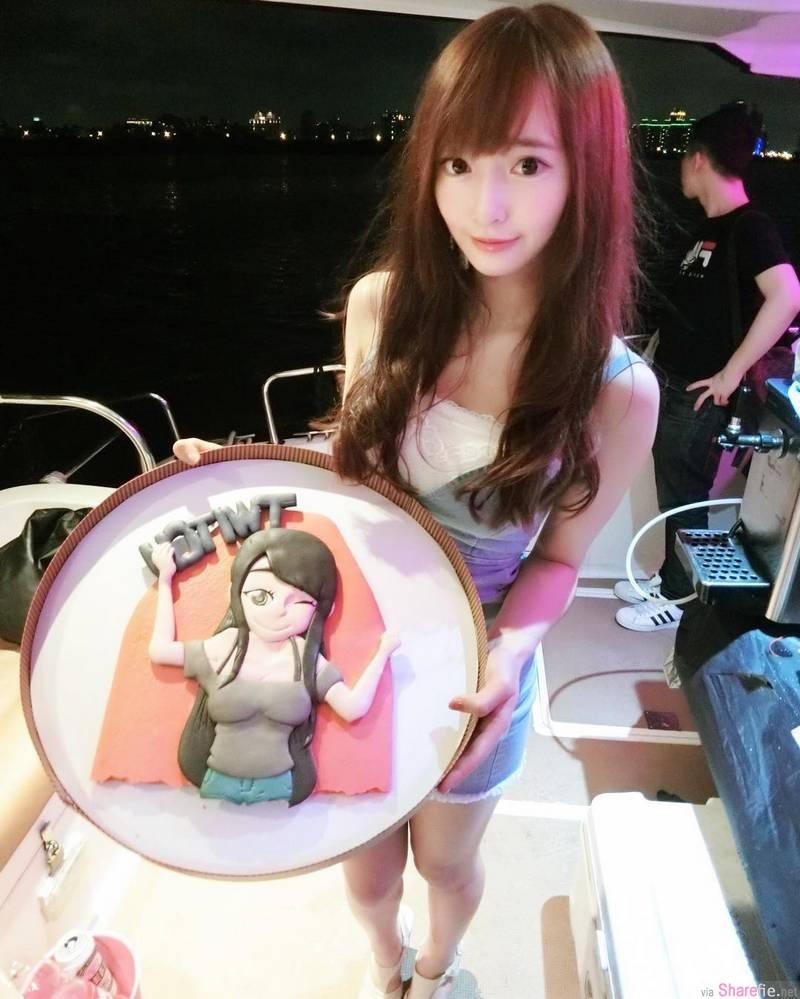 台湾正妹直播主Mita Liang,超色彩比基尼网友狂赞