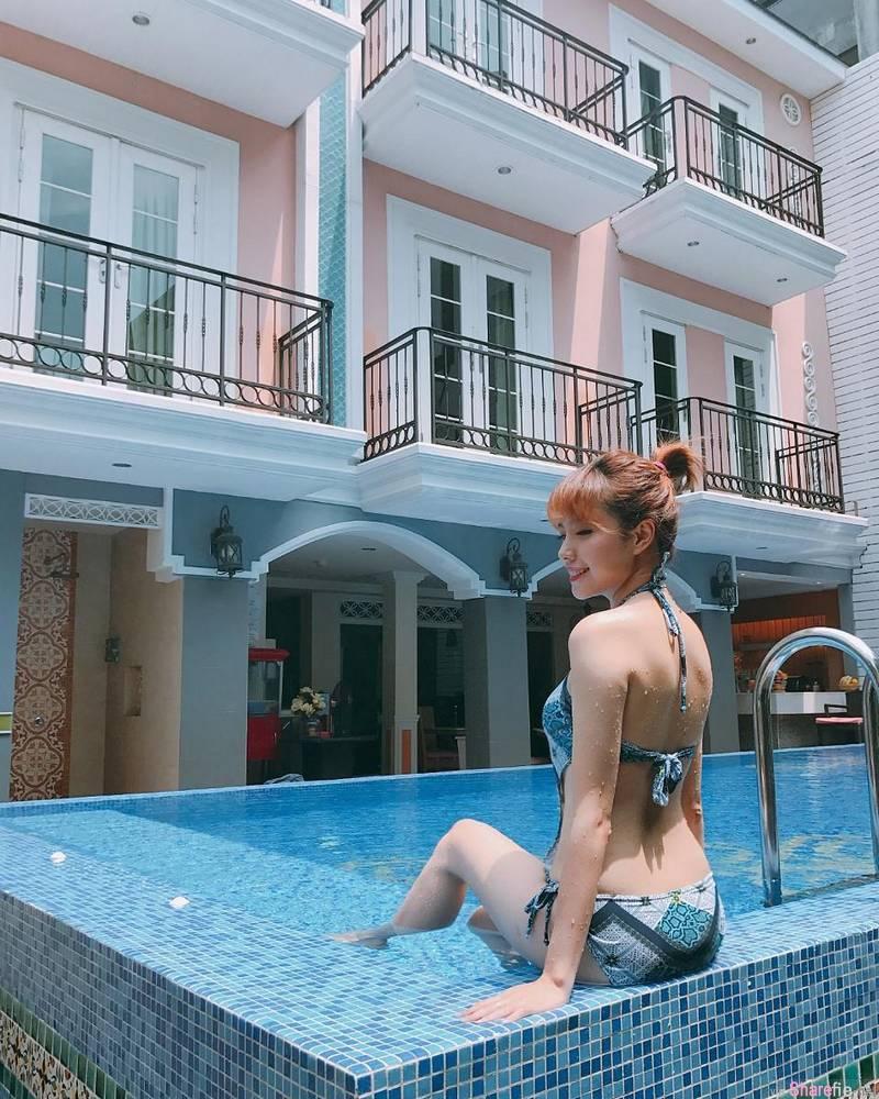 大马正妹林珍琦,泳池旁大晒性感比基尼