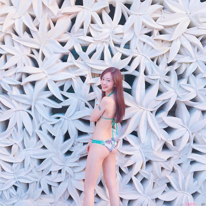 正妹Theresa清纯甜美,沙滩背影网友赞爆