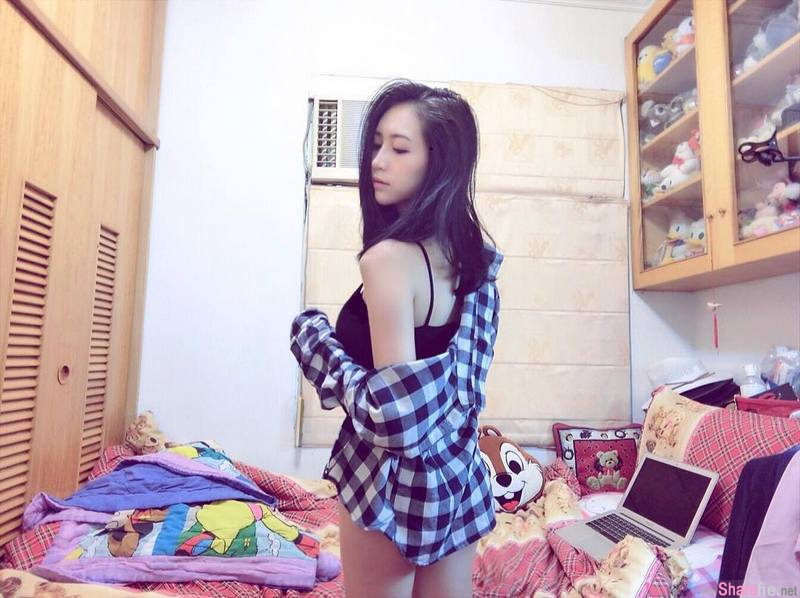 台湾正妹Vivian Chang,超细铅笔腿