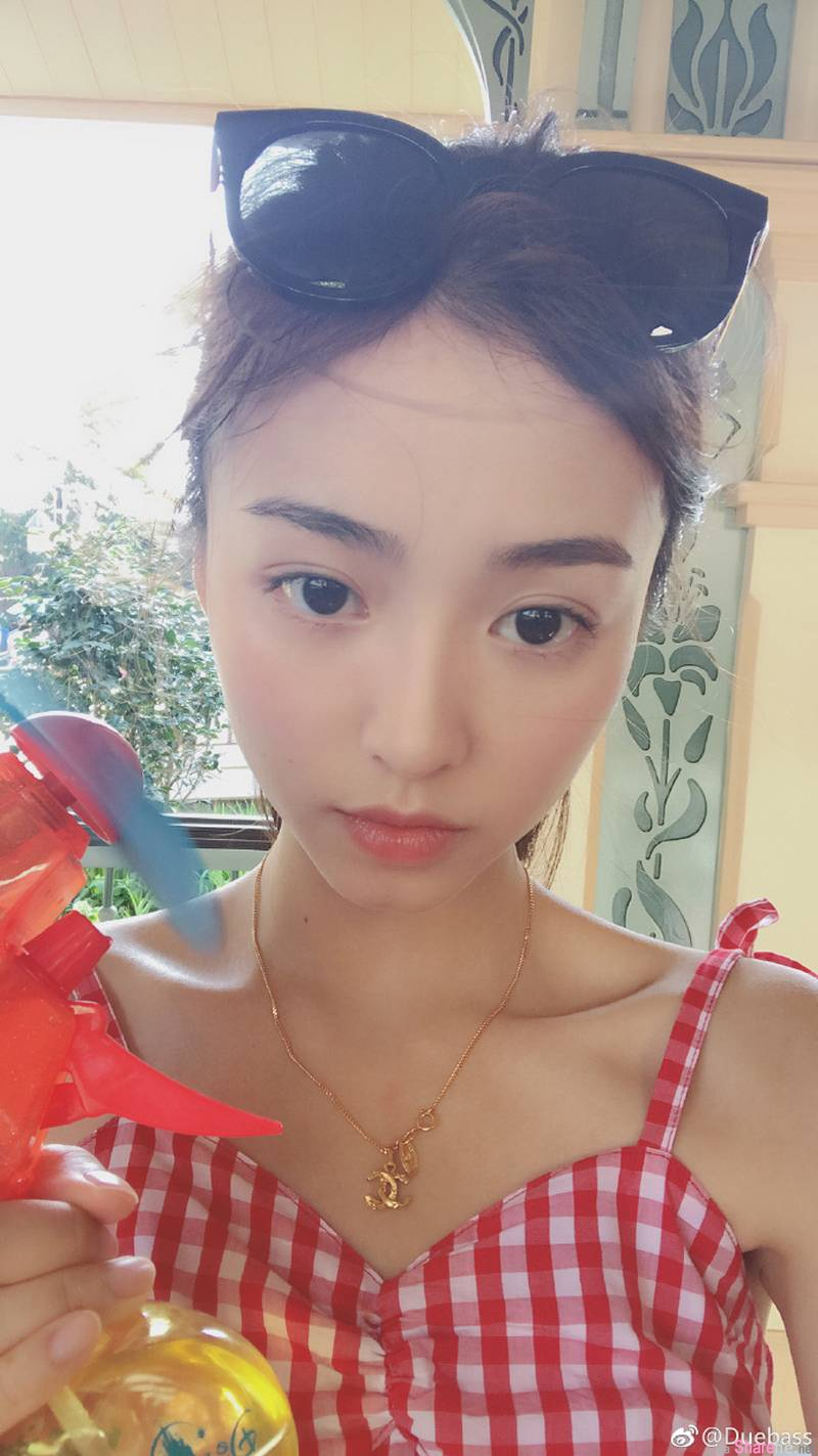 甜美清纯正妹,动图正翻网友:今年看过最正的