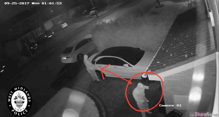 keyless车主晚上睡觉注意啦,警方公佈视频偷车贼「偷讯号」,只花几秒就把车驾走