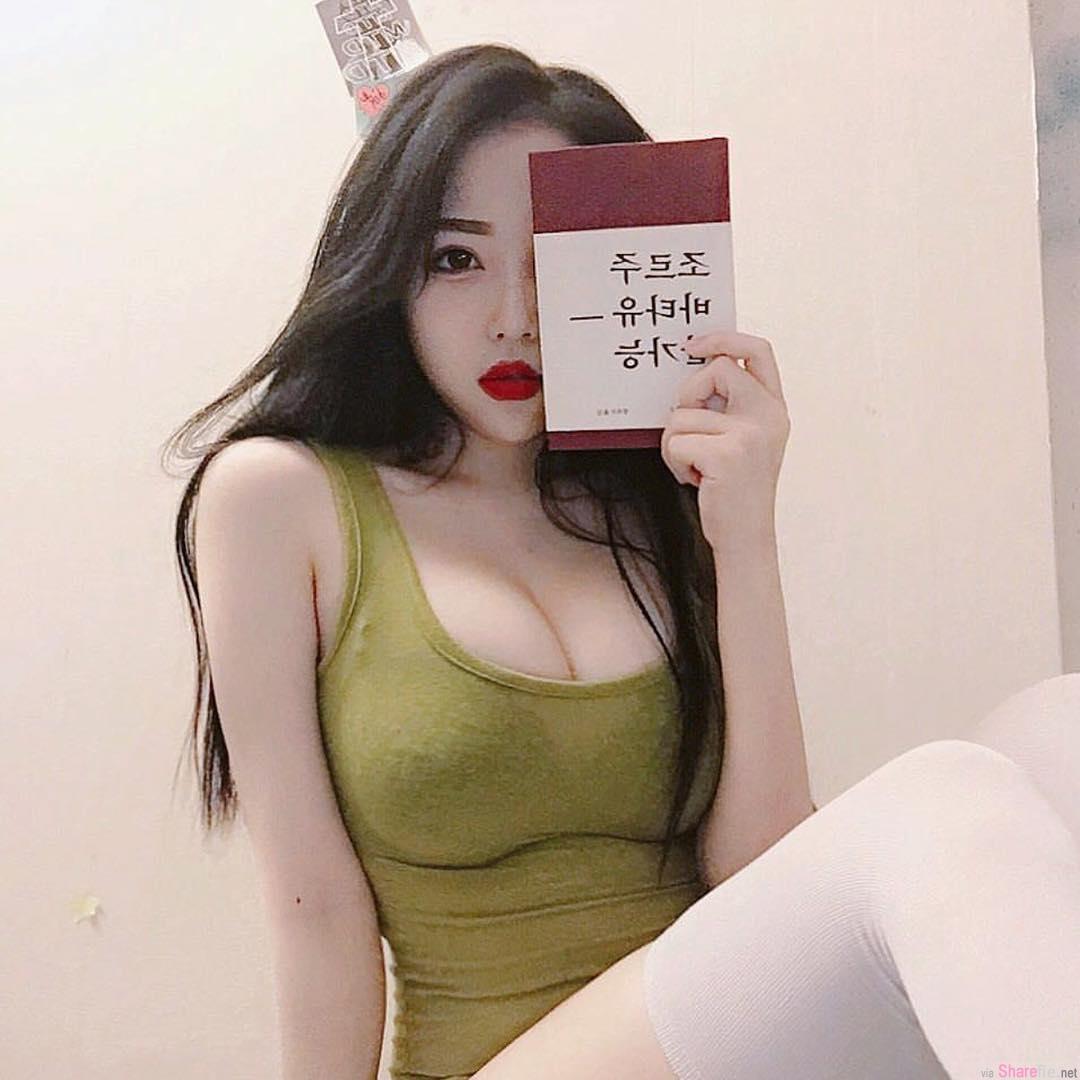 韩国白皙正妹,超兇身材不科学