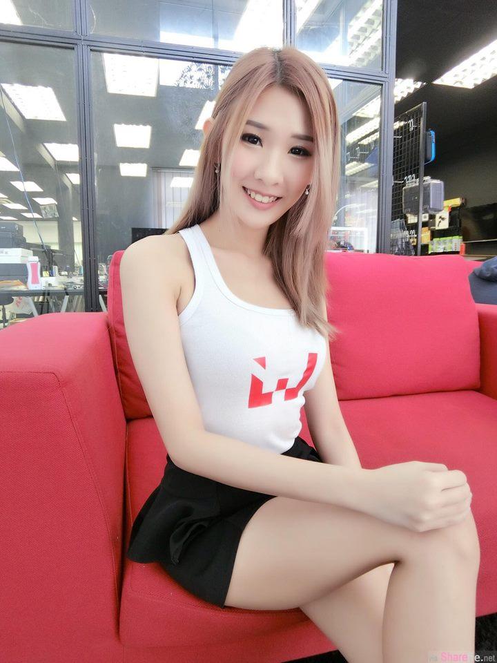 大马电玩实况正妹紫婷,游戏主机和她要选谁? 网友:我选你