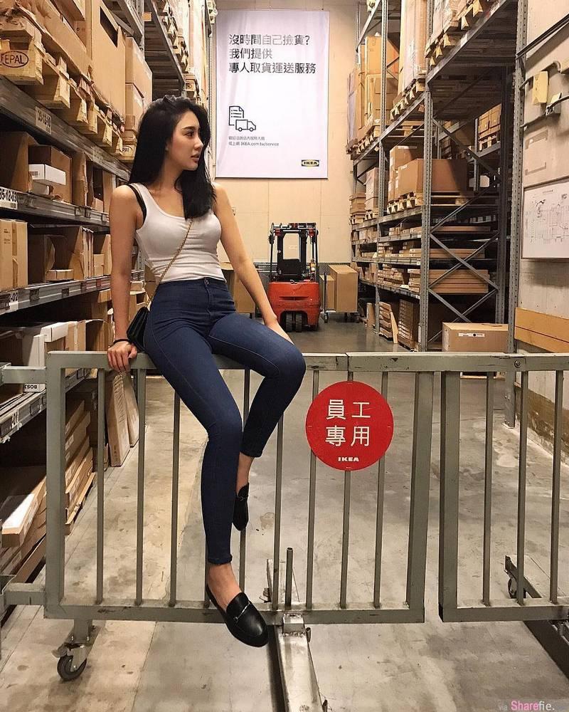 正妹Karen Chao,背心紧身牛仔超吸睛