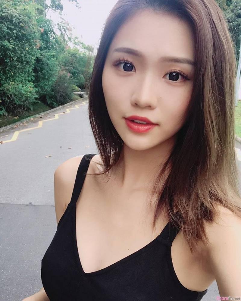 新加坡正妹雨晴,背心短裤再加甜美笑容,满满正能量
