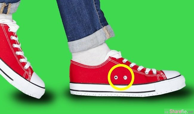 Iphone后镜头旁有个小黑洞,帆布鞋侧面有洞孔,你知道这些「洞」做什么用的吗?