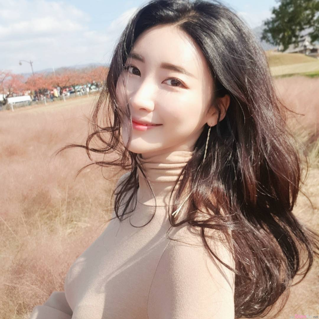 韩国正妹mingcrush,九头身完美身材