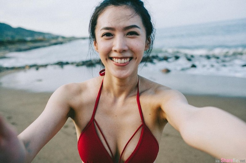 正妹空姐Mel Lin,露肩自拍超迷人