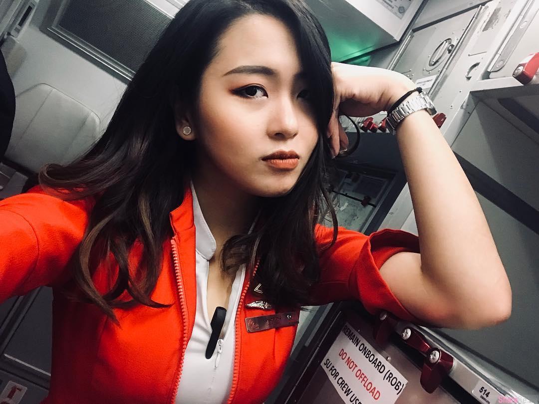大马正妹空姐Yoko,比基尼解放性感S曲线