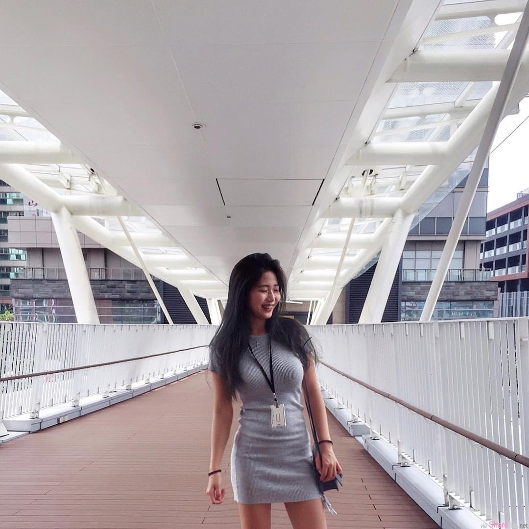 正妹陈靖媛身材太正,秀出试衣间战利品,街上回头率会很高