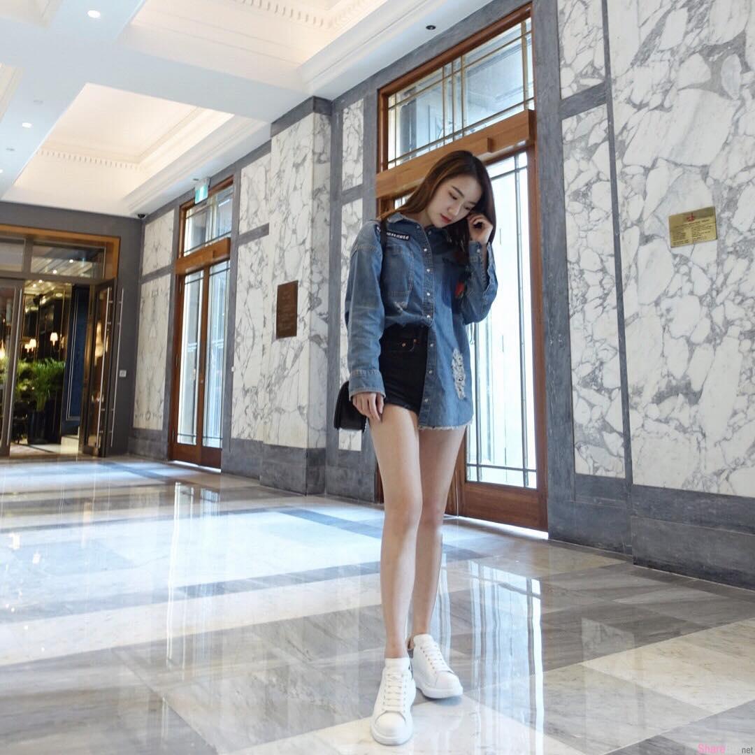 大马房地产经纪正妹叶佩雯,小露香肩气质迷人