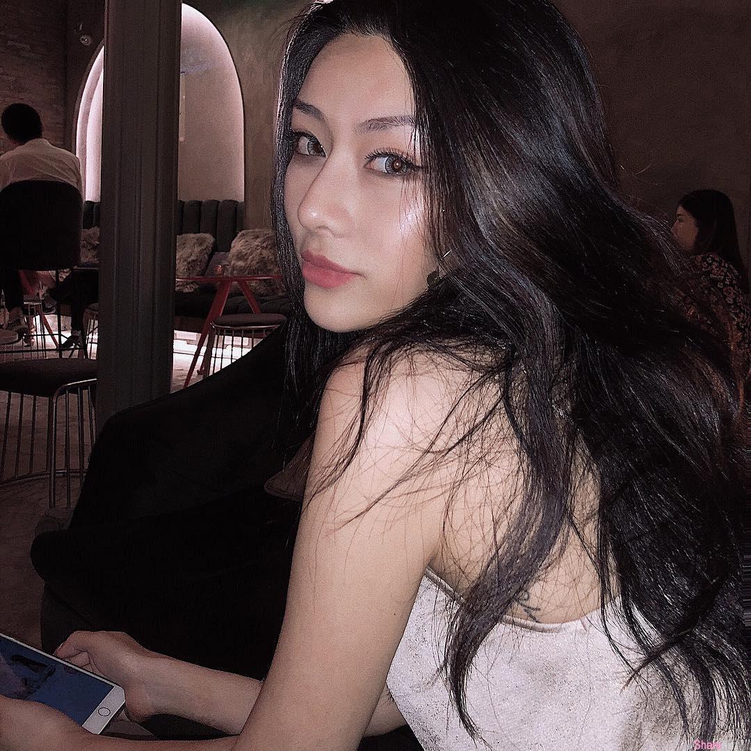 正妹Poppy Xue,绝美颜值9头身美女