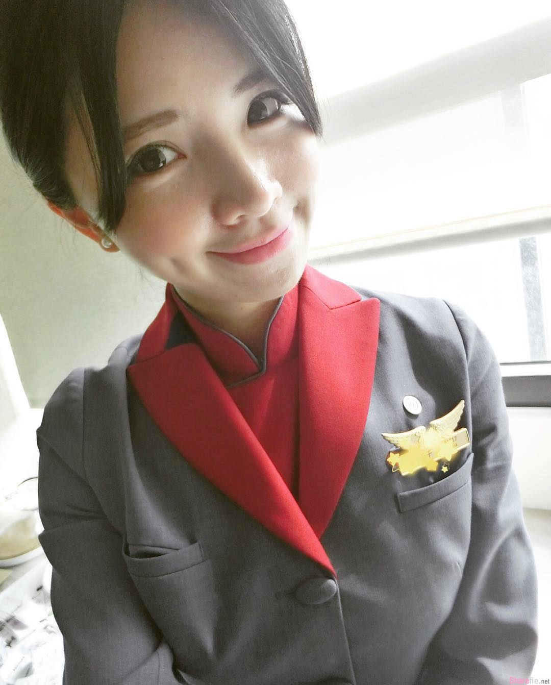 空姐正妹Celiacweng,比基尼狂晒深邃事业线