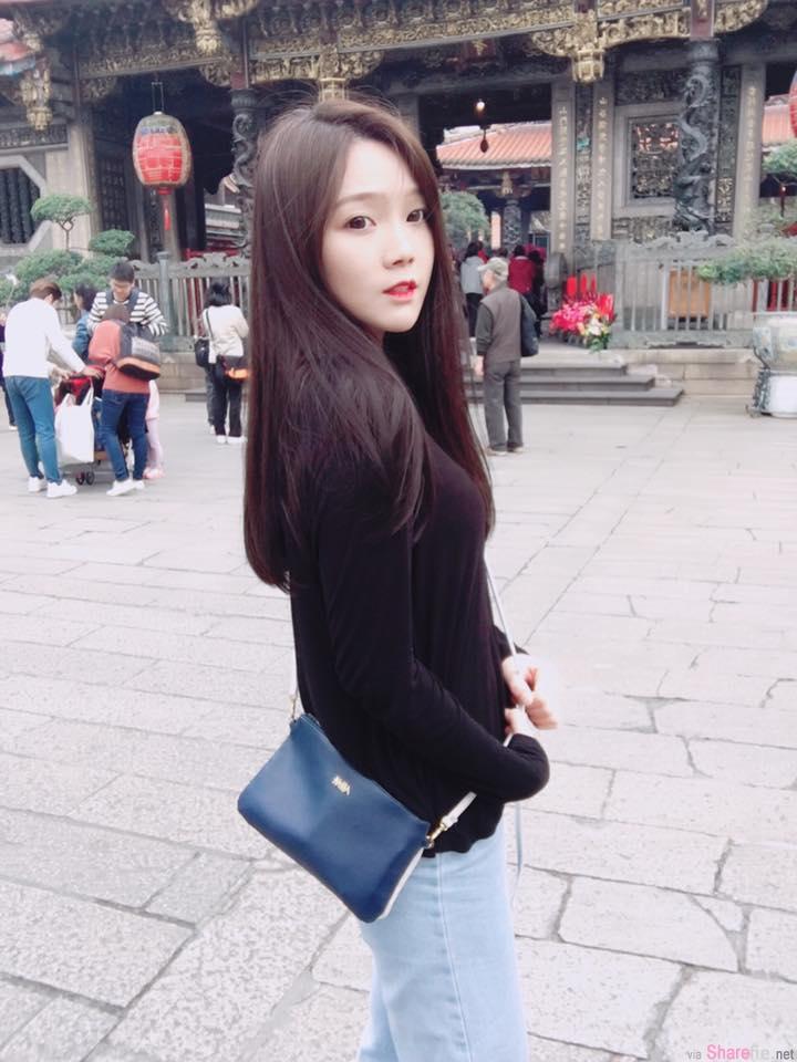 台湾正妹高民姗,清新甜美吊带牛仔露出雪白小蛮腰