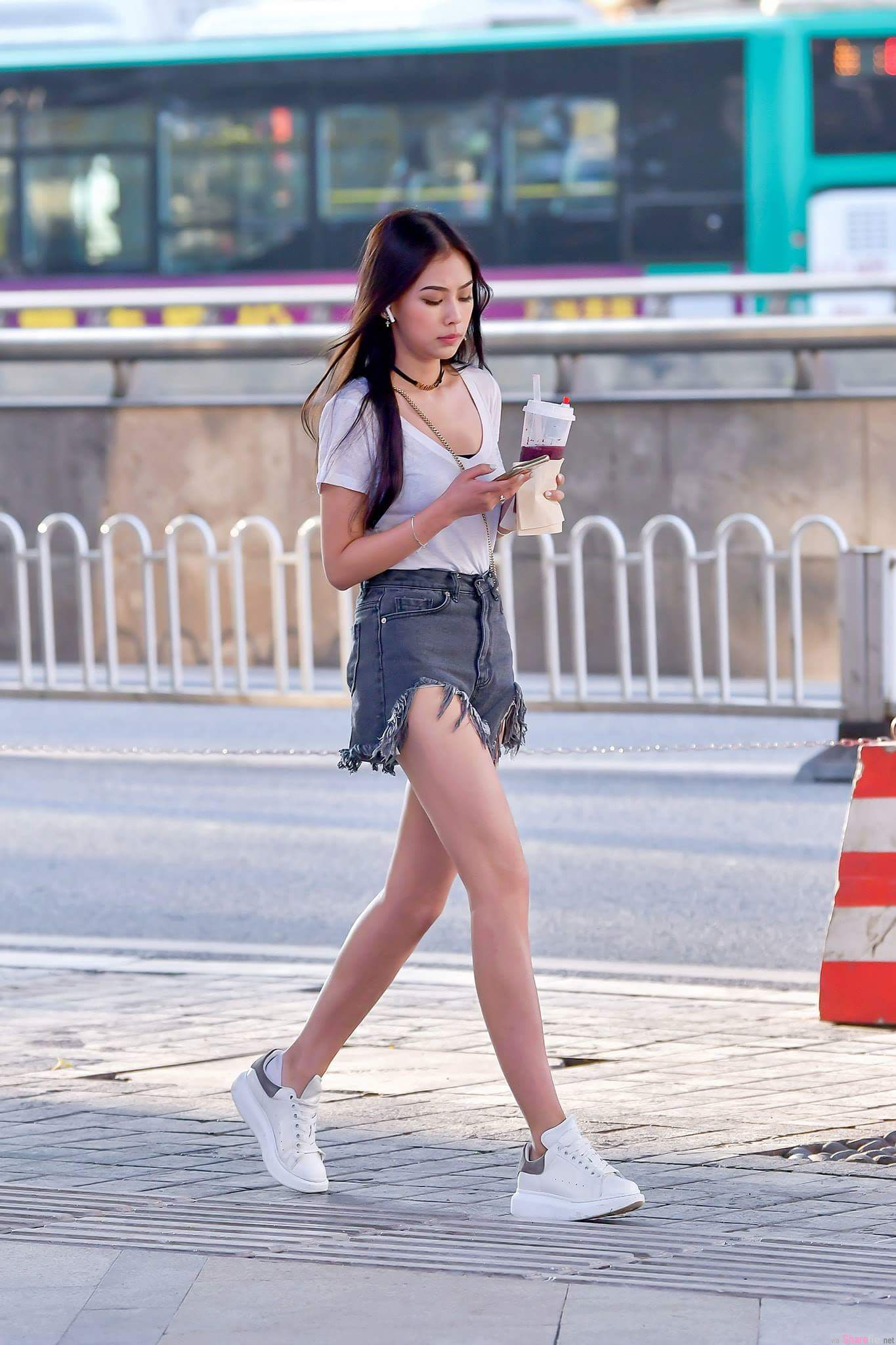 网疯传中国各大城市正妹街拍,「时髦顶级正妹」塞满大街