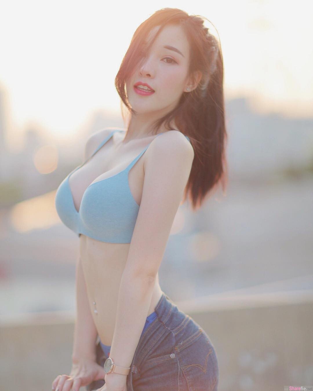 泰国正妹,瓜子脸蛋身材不科学