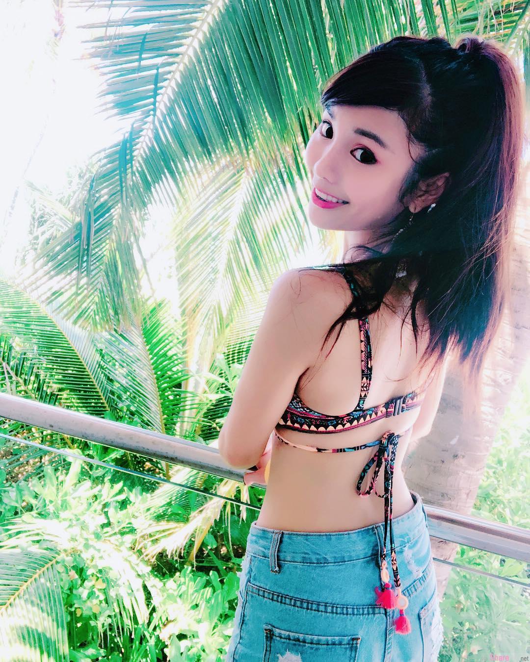 甜美女孩Linda 琳妲,度假屋穿比基尼自拍辣翻网友