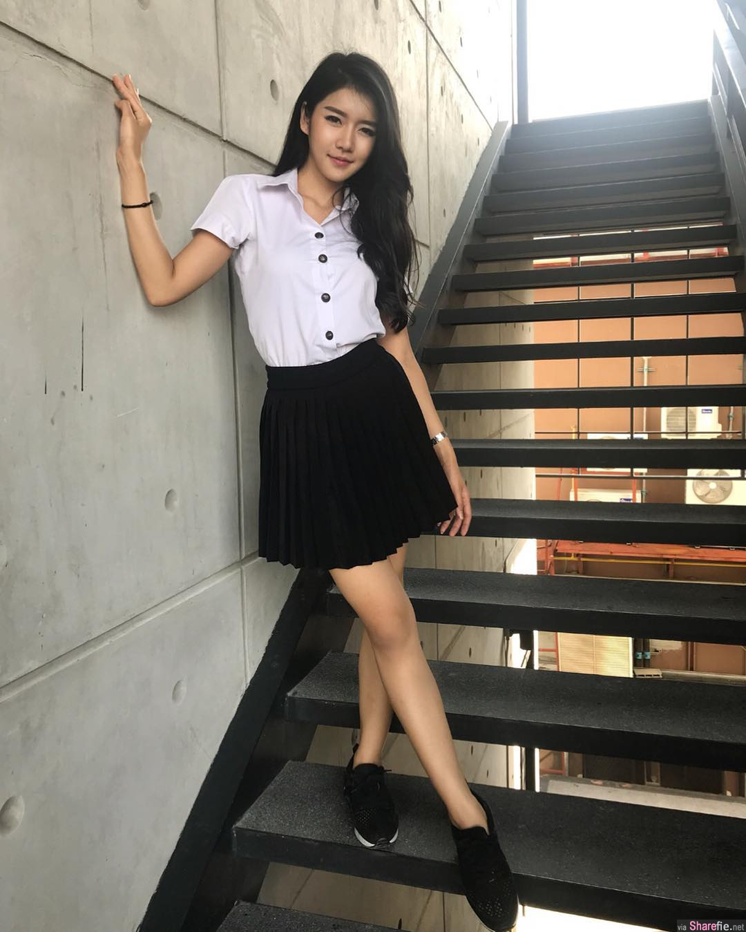 泰国正妹Eve Saruda,性感白色比基尼