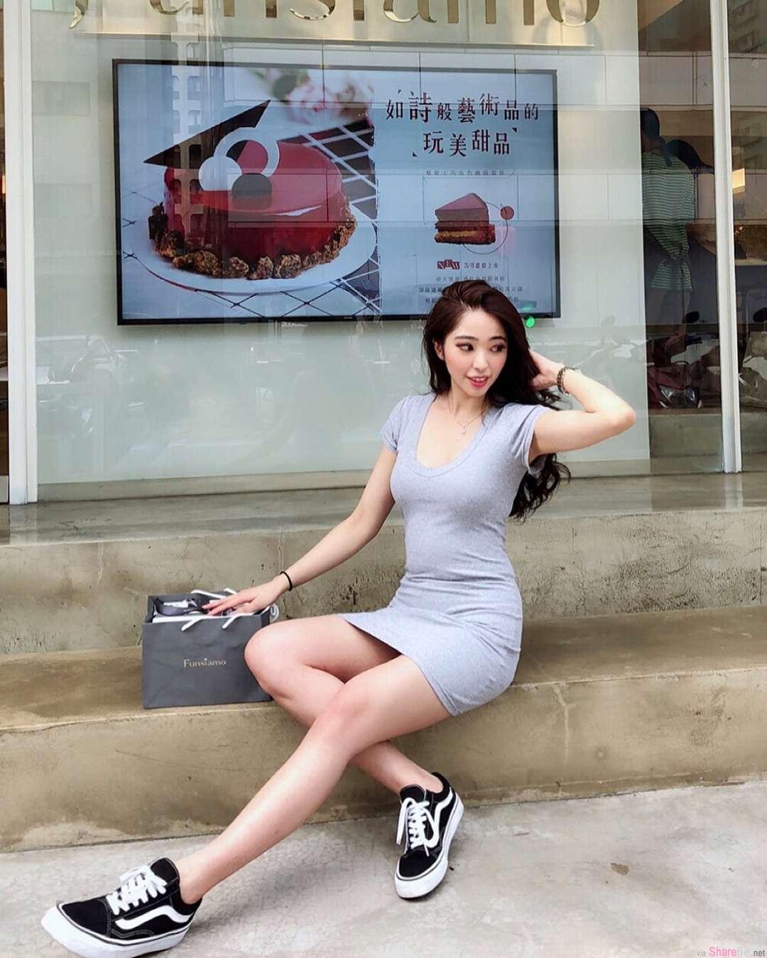 长荣正妹空姐Christy Liu,比基尼解放好身材