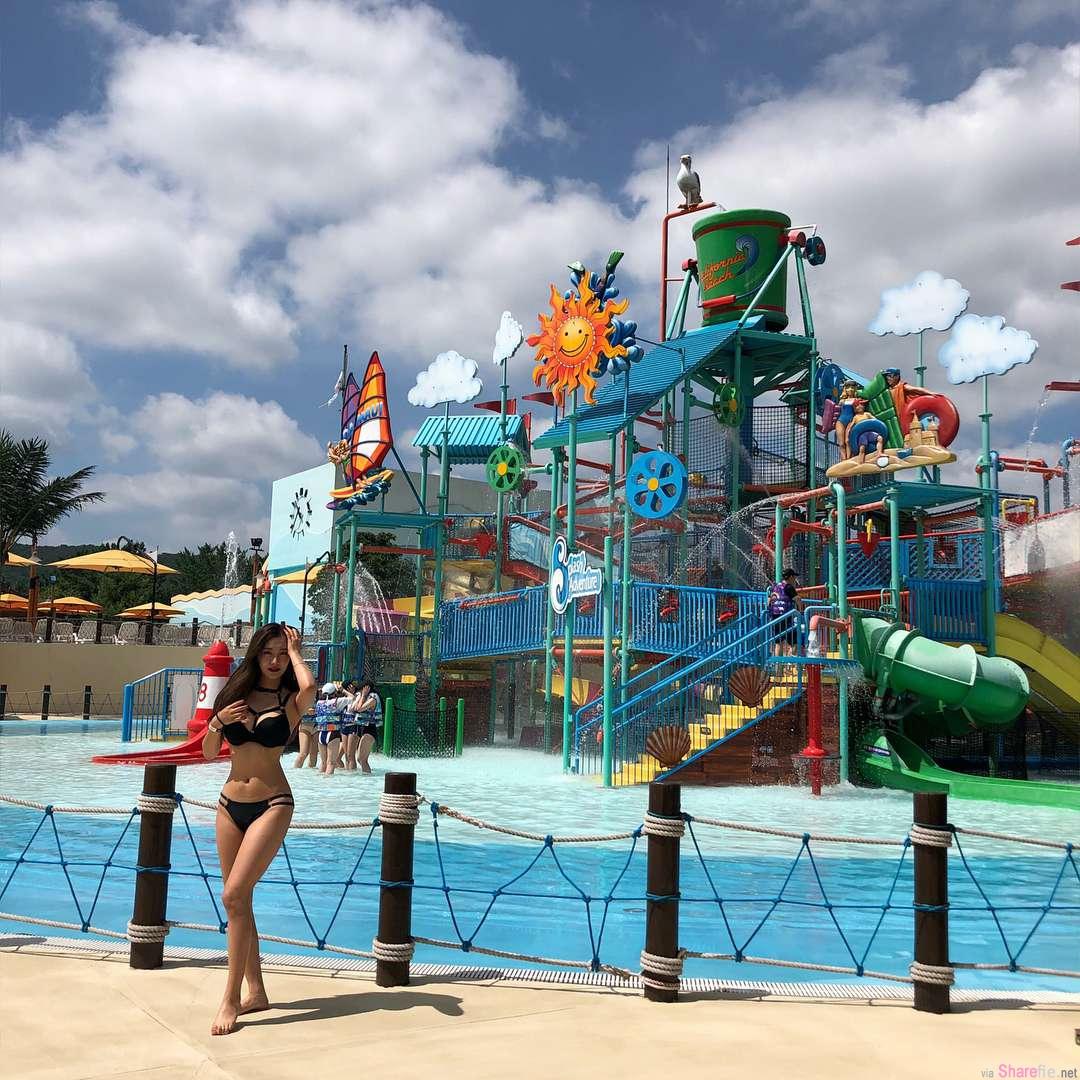 韩国甜美正妹到水上乐园玩水,比基尼凸显魔鬼好身材