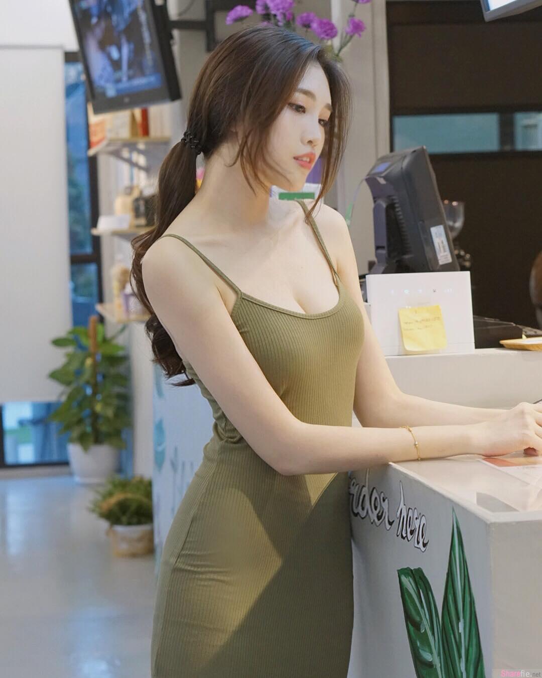 大马正妹Fedora Ng,修长美腿低胸连身裙超迷人