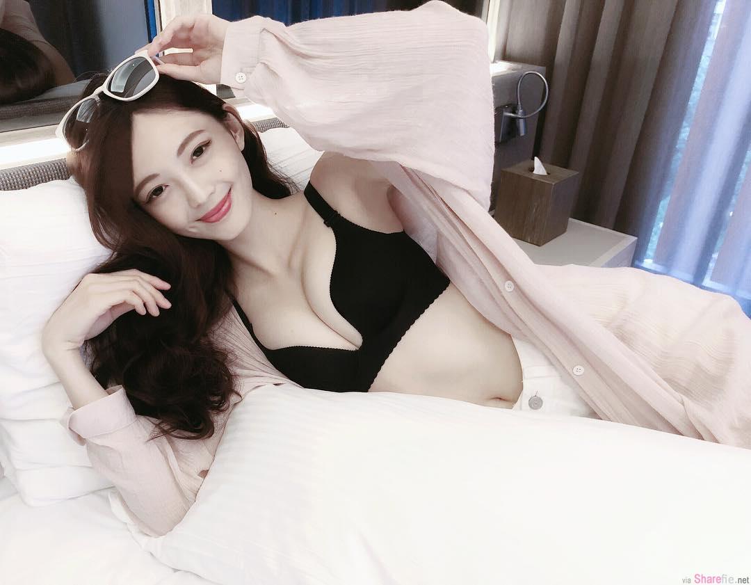 正妹Vava甜美笑容好迷人,性感内在美带网友上天堂