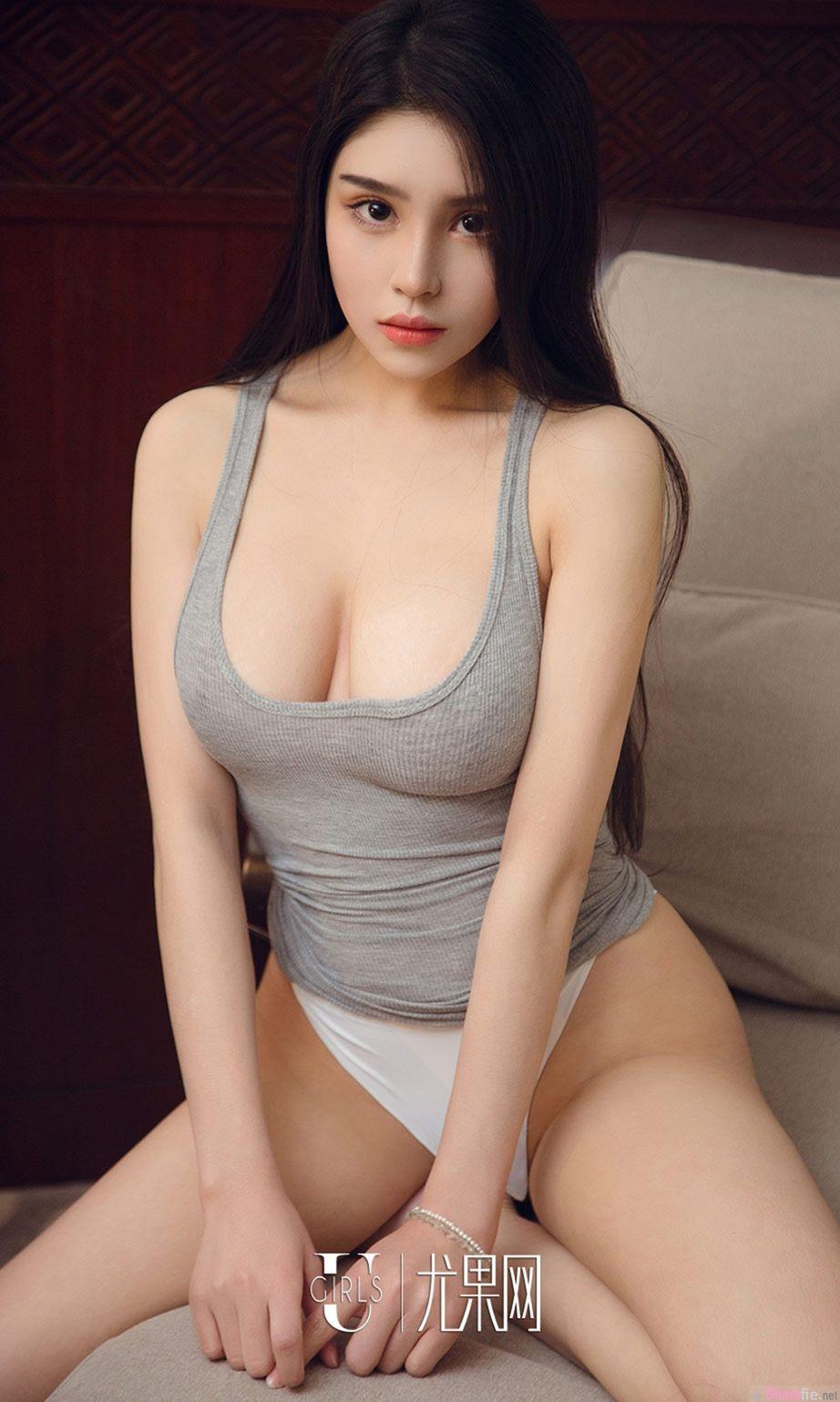 火辣写真正妹裴依雅,完美身材
