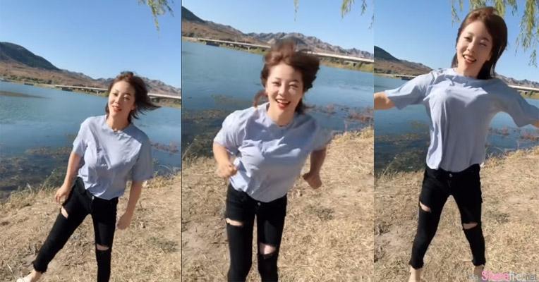 美景当前正妹对着镜头举手跳跃,网友惊:无罩驾驶