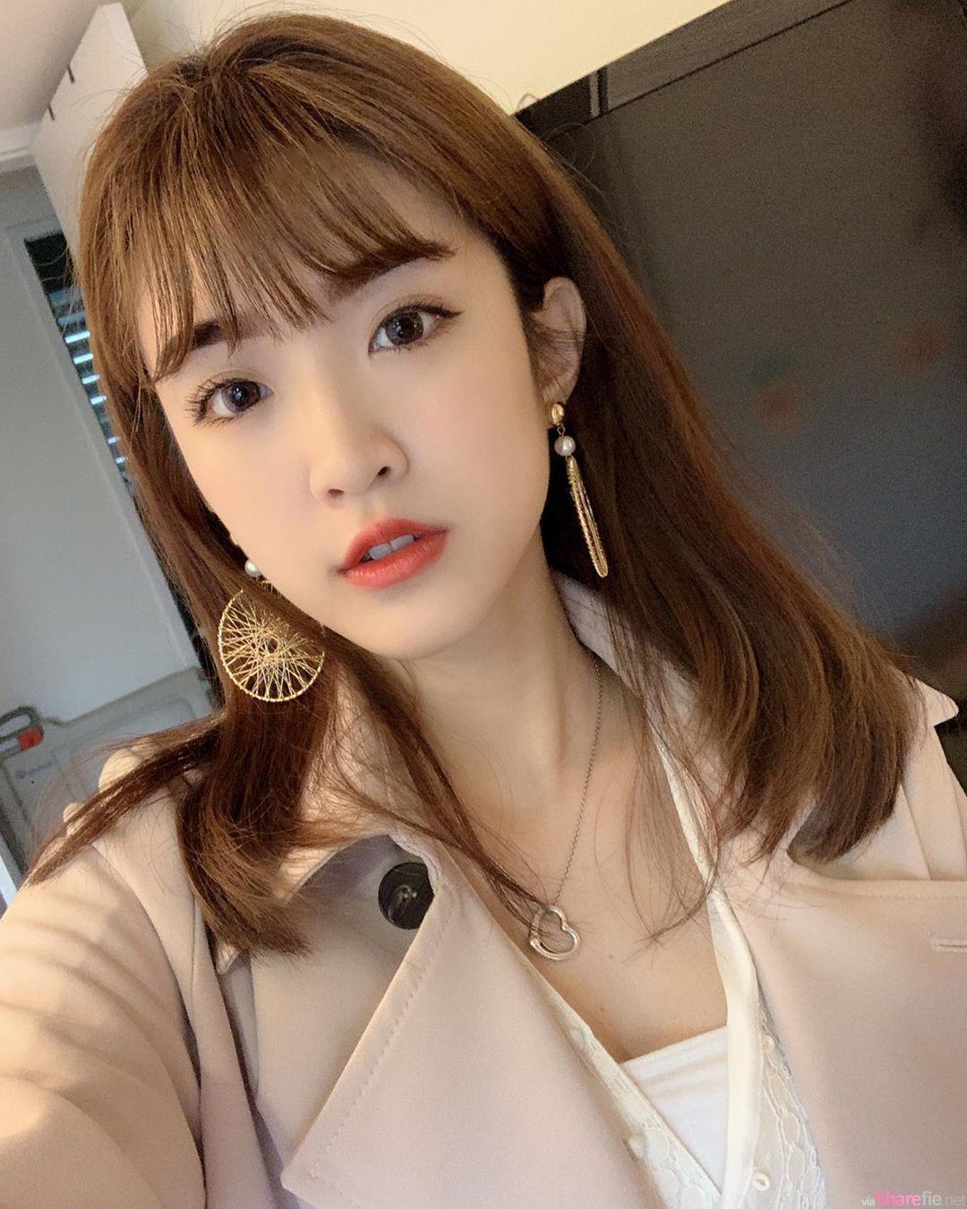 清新正妹萱萱,甜美笑容让人一秒就融化
