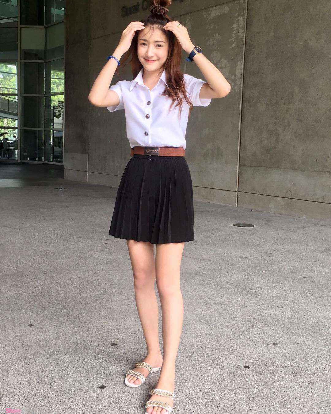 超正泰国学生正妹,衣服湿湿了若隐若现的美