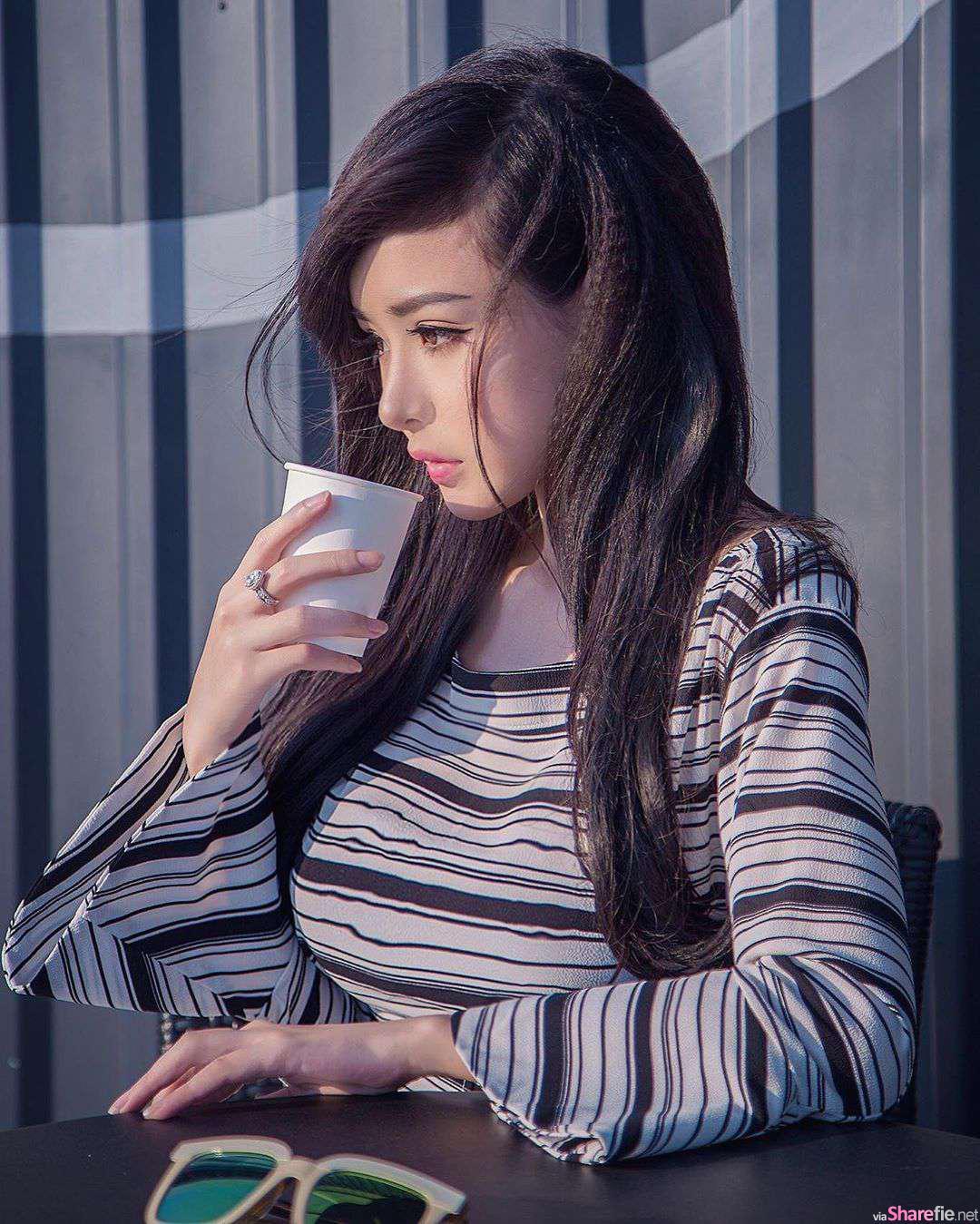 越南正妹Phan Uyen,高颜值配深沟事业线