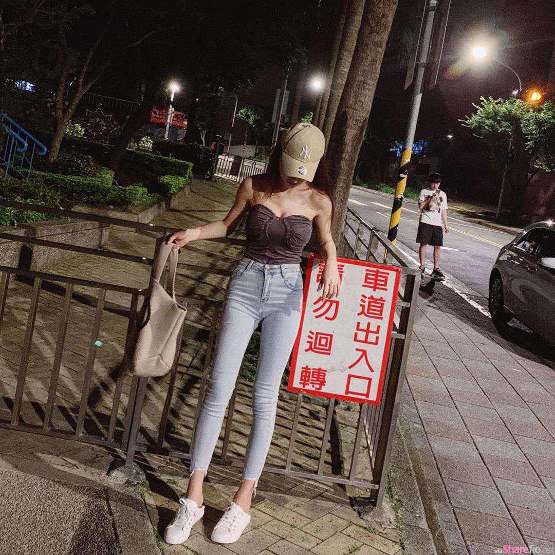 神级正妹Lin电梯里自拍,近距离展现绝美身材曲线