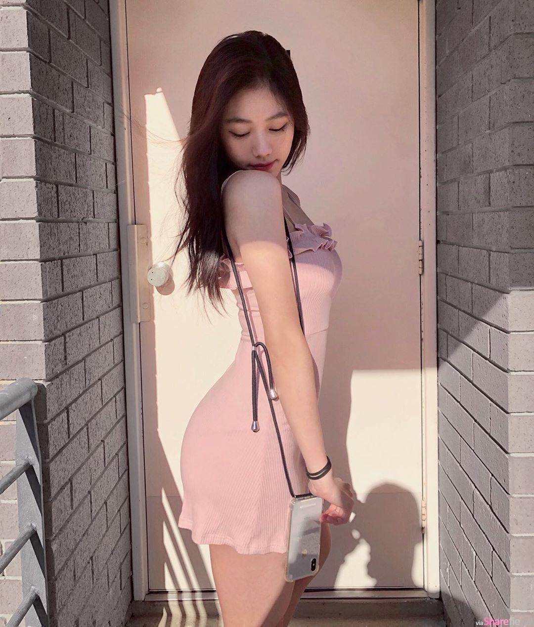 大马正妹Jewel Goh短裙蜜桃翘臀超犯规