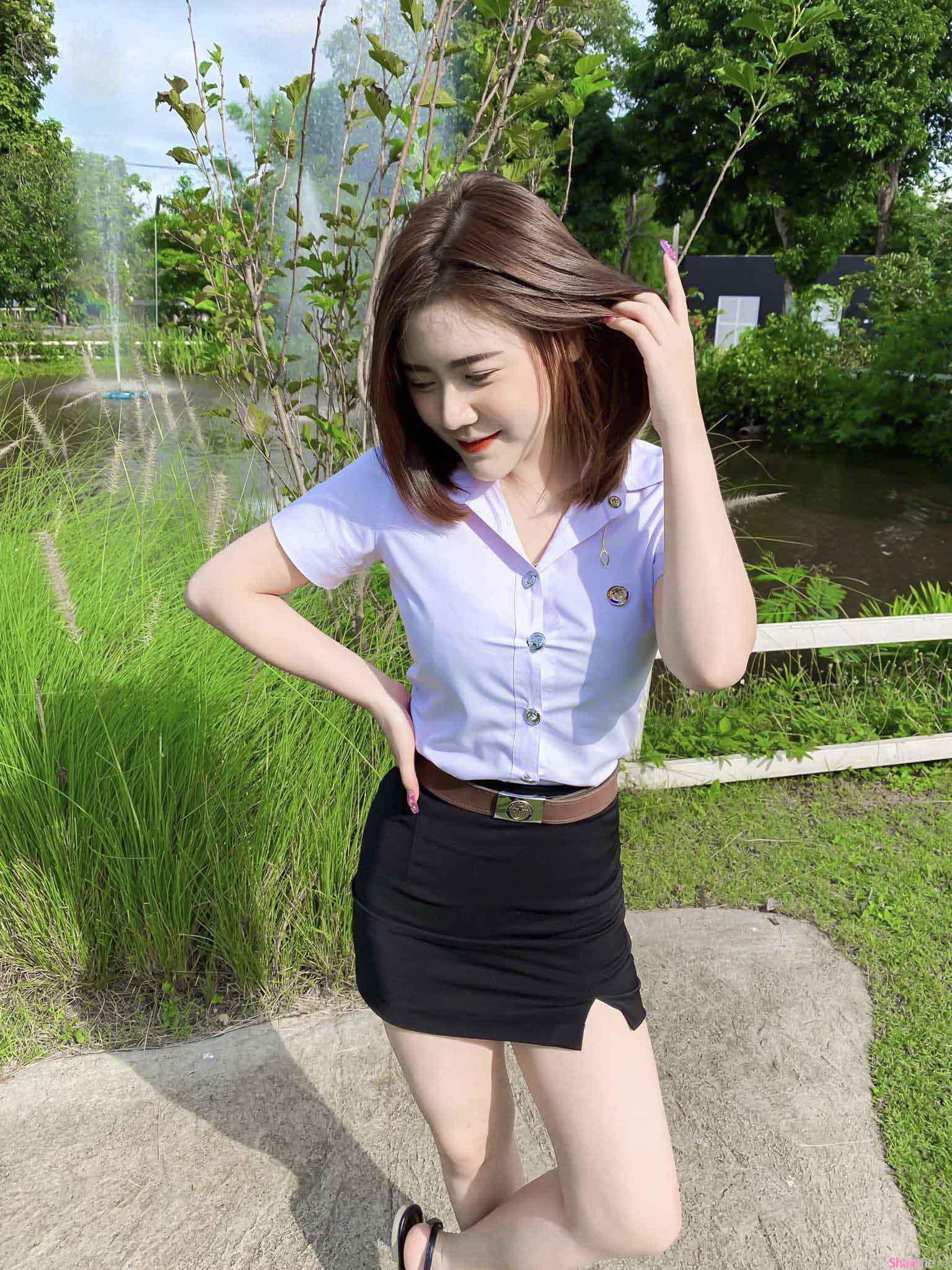 泰国学生正妹超狂出门衣,中空大开南北半球霸气外洩