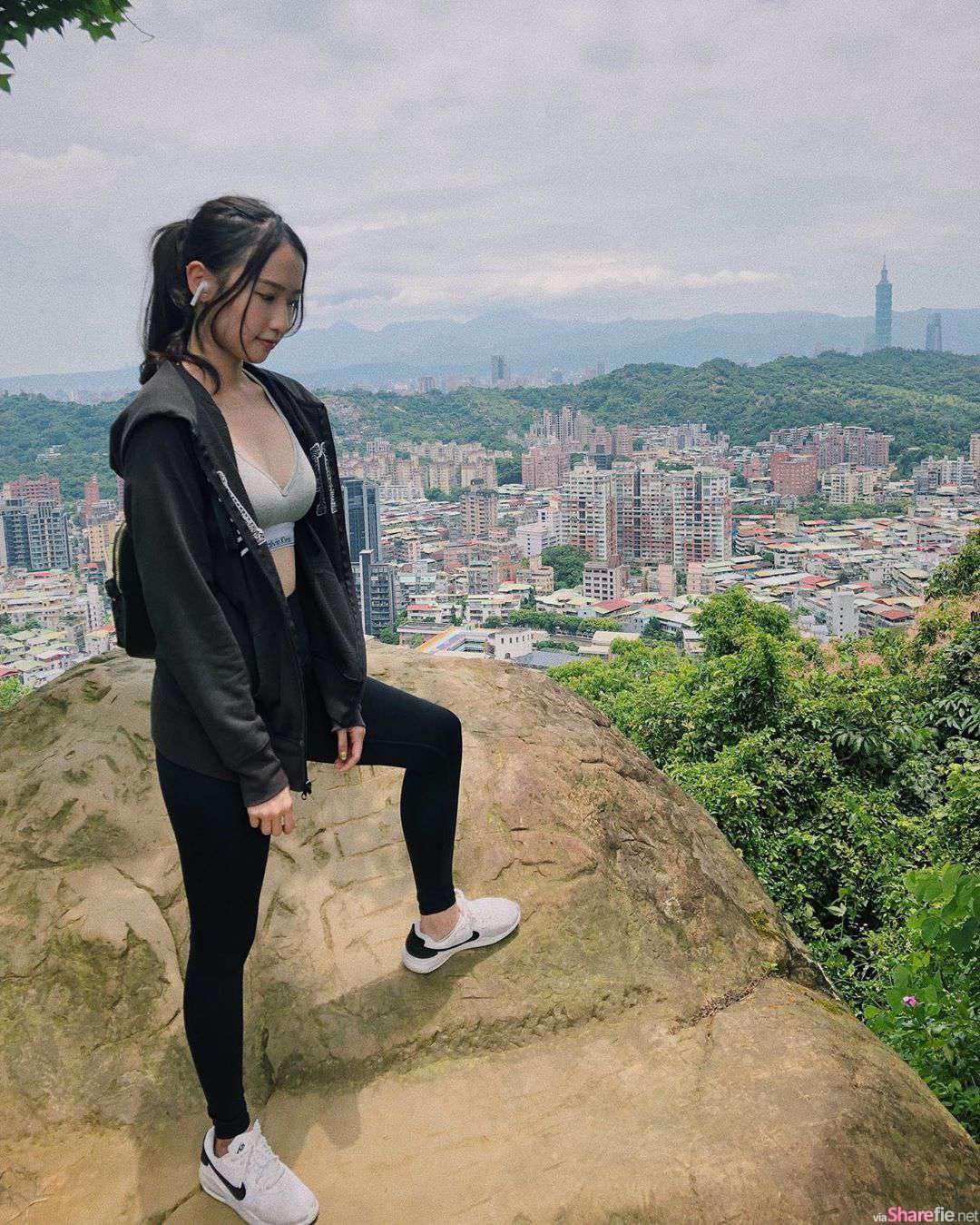 世新正妹运动内衣去爬山,网友:爬山客还好吗