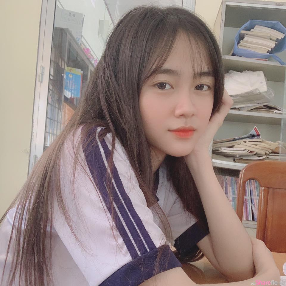 越南学生正妹Vân Anh清纯甜美,紧绷激突制服超犯规
