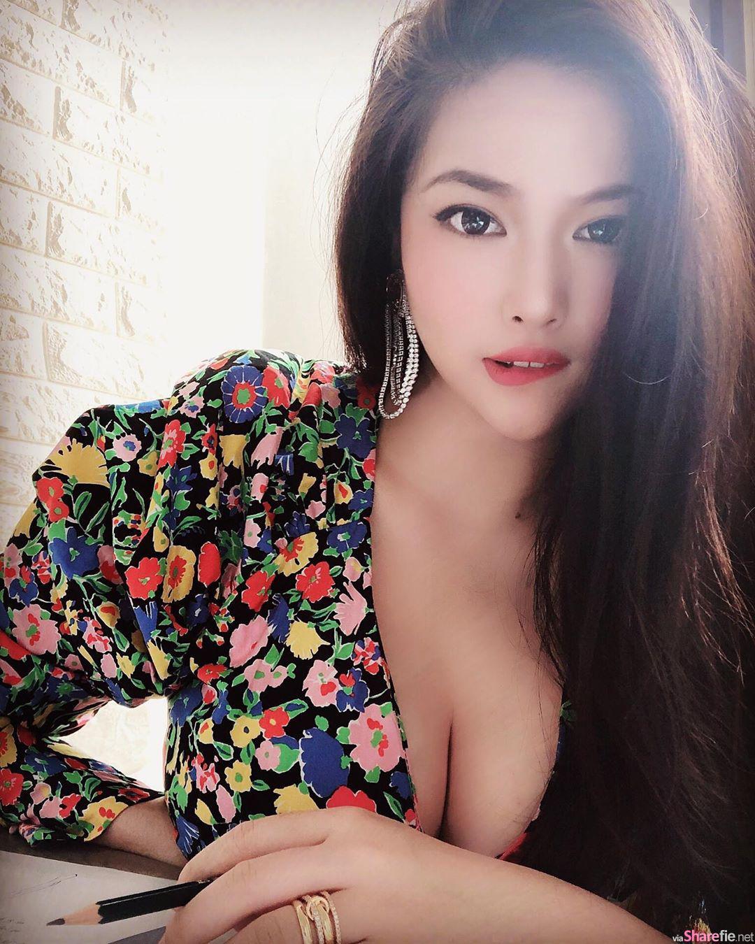 网店正妹 Nana 穿上自家睡袍和内衣 性感指数破表