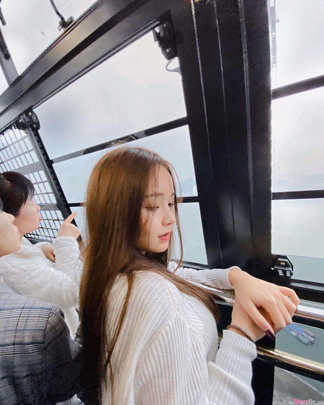 泰国学生正妹,一转身甜美模样迷倒万千