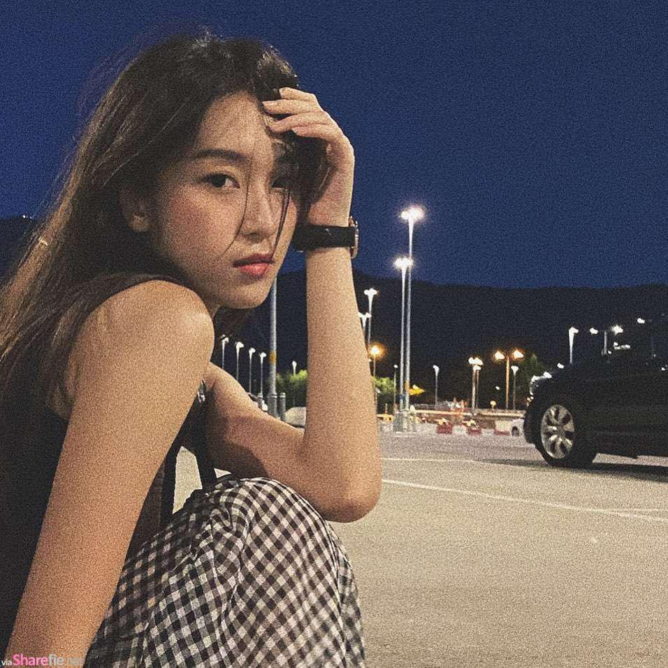 香港正妹Candy街头美拍,网友:角度、神态很美