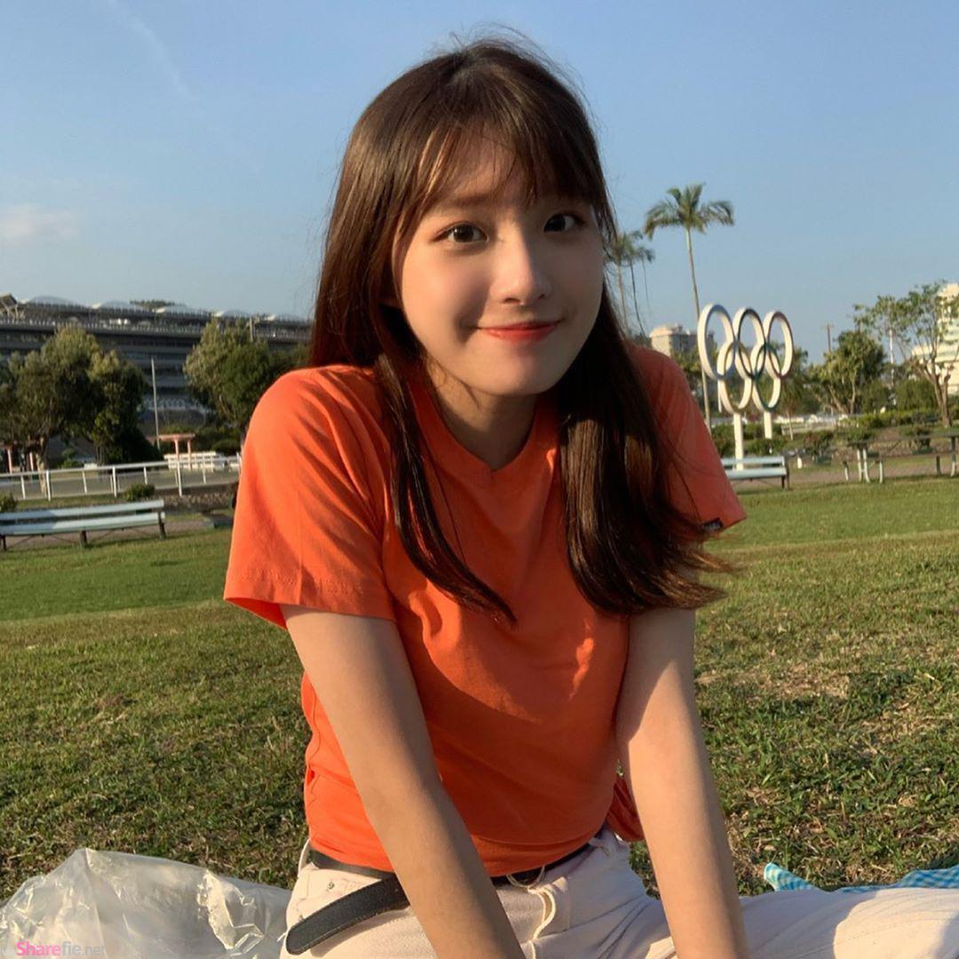 正妹Rachel傻傻的微笑好靚女